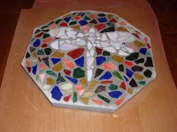 Diy Stepping Stones Mosaic Stepping Stones For Your Garden 10 Steps
