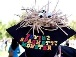 how to decorate graduation cap is that simple. Via: Instagram How To Decorate Graduation Cap Is That Simple