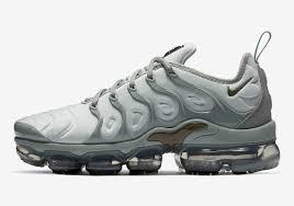 Light Grey Womens Nikes Nike Vapormax Plus Light Grey Ao4550 6006 Sneakernews Com
