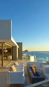 Millionaire Beach House- Contemporary California beach front home