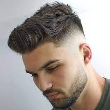 Gaya rambut pompadour sendiri adalah salah satu style rambut yang bisa dibilang cukup unik dan ciri cirinya pun sangat mudah diketahui yaitu pada bagian atas yang berbentuk seperti jambul. Pria Pilihlah Potongan Rambut Yang Sesuai Bentuk Wajah Merahputih