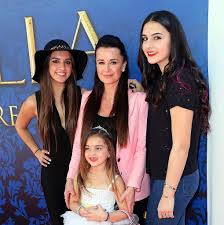 Kyle Richards from 'RHOBH' Races To Be With Her Sick Daughter Away at  College
