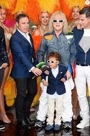 Fabien Lecoeuvre, Michel Polnareff et son fils Louka, Laurent Luyat - Le  chanteur français Michel Polnareff fête son 72ème anniversaire en présence  des danseuse - Purepeople