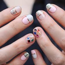 Nail Art Different Designs On Each Finger Top 8 Nail Arts Of Female K Pop Idols Ypcategory Kpopstarz