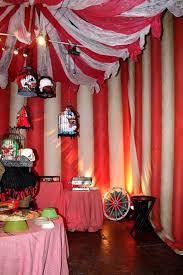 564e ef98a0cc3c scary carnival carnival decorations