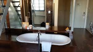 wander the bathtub