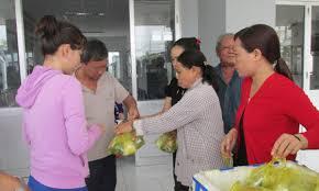 Bếp ăn từ thiện chia sẻ khó khăn với bệnh nhân nghèo - Báo Long An Online