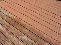 wood deck with and without renew it deck coating