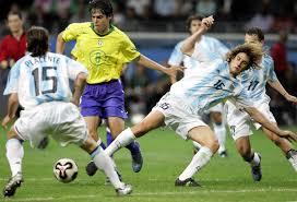 كلاسيكو الكرة اللاتينية بين الأرجنتين والبرازيل بالأرقام - RT Arabic