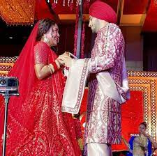 Inside pictures from Neha Kakkar's special birthday celebration with hubby-  The Etimes Photogallery Page 71