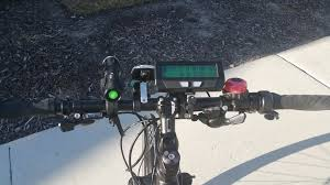 now i happen to like half twist throttles and rapid fire shifters unfortunately most rapid fire shifters do not clear the large bulge on the half twist