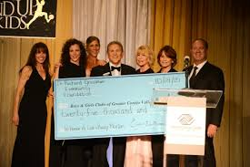 Dr. Richard Grossman Community Foundation presents Boys & Girls Clubs of  Conejo Valley with check for $25,000 | Citizens Journal