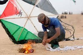 """Résultat de recherche d'images pour """"fotos de cerf-volant en feu à gaza"""""""