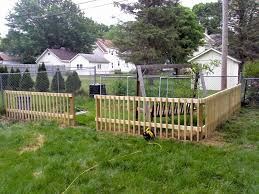 easy garden fence. 18 DIY Garden Fence Ideas To Keep Your Plants Easy Q