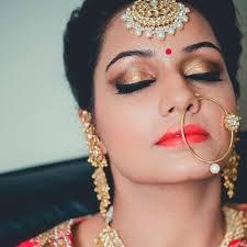 getting ready bridal makeup