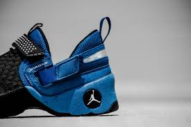 jordan trunner lx. air jordan trunner lx og - black/white/team royal lx