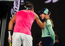 Rafael Nadal accidentally hits ball girl, apologizes with a ...