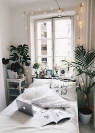 Home Decorating Bedroom Minimalist