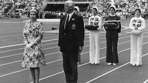 bbc iwonder what is the point of the commonwealth today the queen preparing to present medals at the 1974 commonwealth games