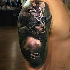 татуировка в реализме на плече девушка с рогами метла тату