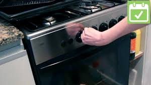 How To Clean A Glass Top Stove 3 Ways To Clean Oven Glass Wikihow