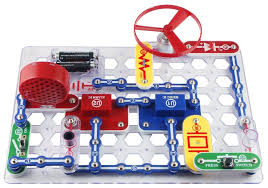 Best educational toys for tweens and teens: Snap Circuits circuitry kits. So fun! 14 best kids of every age