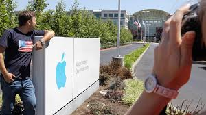 photo russian tourists pose outside of apple headquarters in cupertino calif aug apple cupertino office