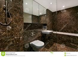 Bagni Moderni bagni moderni di lusso : Bagno Moderno In Appartamento Di Lusso Immagine Stock - Immagine ...