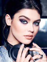 holiday drama the smokey eye for a special occasion