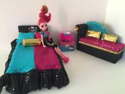 Details about Monster High furniture Bedroom set:Gigi Grant Bed,sofa,lamp,wood Box