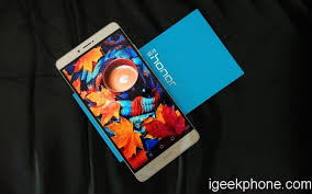 huawei honor note 8. huawei honor note 8 is well-known 6.6inch 2k screen which will be the best phone to watch videos, play games, read e-books, etc.