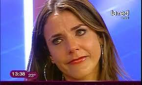 Julia Beatriz Vial Cuevas (Santiago de Chile, Chile, 24 de junio de 1977) es una periodista y presentadora de televisión chilena. - juliav