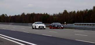 After it flashed, both cars stormed off! Bugatti Veyron Vitesse Vs Nissan Gt R Alpha 12 1 200 Hp Race