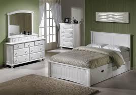 Platform Bedroom Furniture Sets White Platform Bedroom Sets Room Looks Elegant With White