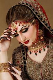 indian bridal makeup with heavy jewelry 19