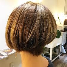 髪のトップのボリュームの出し方はふんわりポニーテールヘアアレンジも