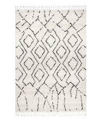 erin moroccan diamond tassel rug