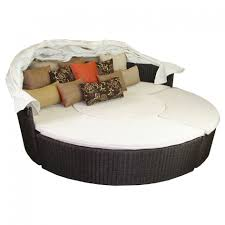 Round Outdoor Bed Furniture Comfortable Round Wicker Outdoor Daybed For Patio