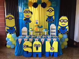 Beautiful Minions Decorations for Party Concept