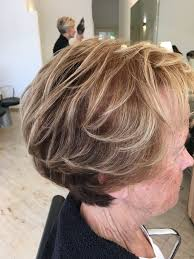 Kort Bruin Haar Met Blonde Highlights Kapsels Salon Tournier In