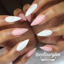 Pastel Pink And White Shimmer Stiletto Nails Věci Které
