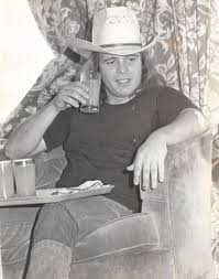 "Ronnie Van Zant Quotes Classy I Don't Even Expect To Live Very Long"" Ronnie Van Zant Gets Sad"
