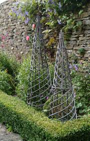 Interactive Garden Exterior Decoration With Willow Garden Sculptures :  Breathtaking Green Shade Perennials Also Black Willow