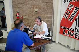 file pete benjamin usfws field supervisor conducting a live file pete benjamin usfws field supervisor conducting a live interview on talk radio show