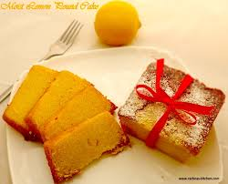 Old Fashioned Lemon Pound Cake