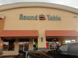 round table pizza view from the street