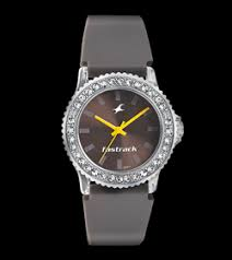 fastrack buy trending watches for men and women online fastrack girls silicon analog brown round watches 9827pp17j