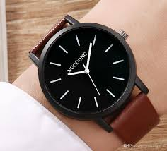 2018 fashion mens leather watch whole new simple men business retro quartz watch men sport wrisch students watches watch watches from growing win