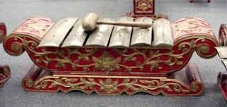 Yang membedakannya adalah suara yang dihasilkan dari alat musik ini. Alat Musik Tradisional Daerah Istimewa Yogyakarta Diy Tentang Provinsi