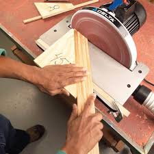 end frustration when you are trying to dial up that perfect angle on your disc sander s miter gauge with a table saw cut frequently used angles on ss